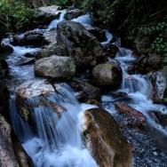 清清的山溪水...