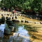 水中石头路