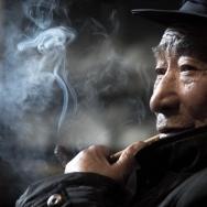 老人与烟女